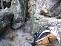 ein Einsteig zur Hampelhöhle (Kleinhennersdorfer Stein)
